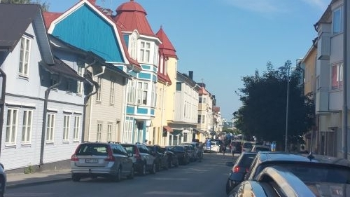 Ferien Haus Häuschen: Röda gårdshuset, Resarö, Mellersta
